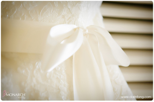 Lace-wedding-dress-la-valencia-hotel