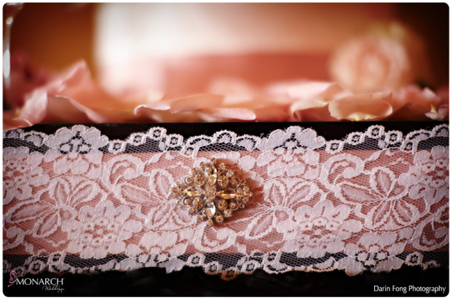 Blush-black-white-wedding-at-La-Valencia-Cake-box-lace-detail