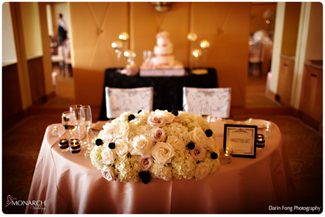 Blush-black-white-wedding-at-La-Valencia-Sweetheart-table