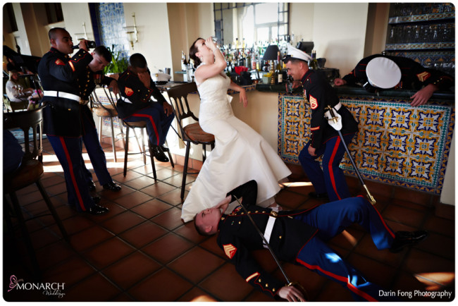 Marines-passed-out-bar-photo-la-valencia-wedding-la-sala-lounge