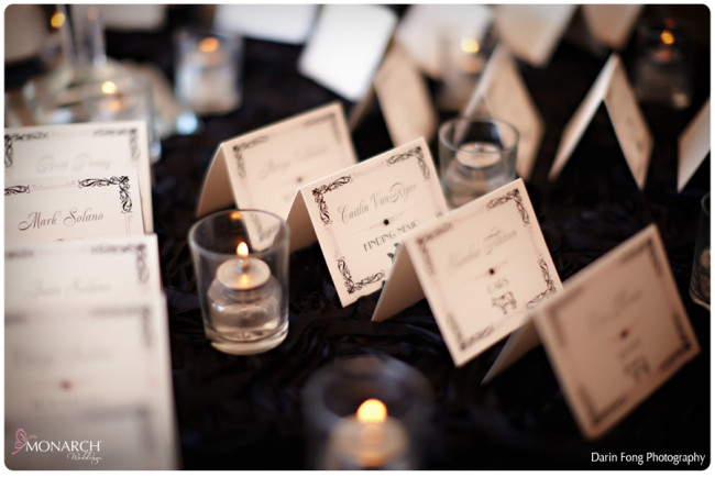 Placecard-table-black-rosette-linen-la-valencia-wedding-j-grace