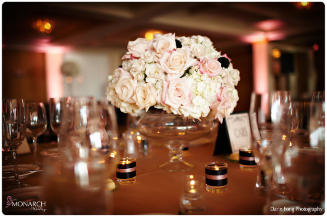 Blush-black-white-wedding-at-La-Valencia-low-centerpiec