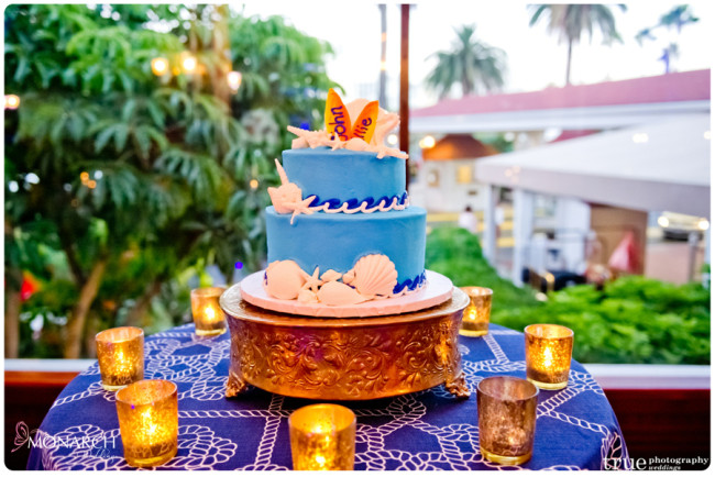 Grooms-wedding-cake-beach-design-flour-power