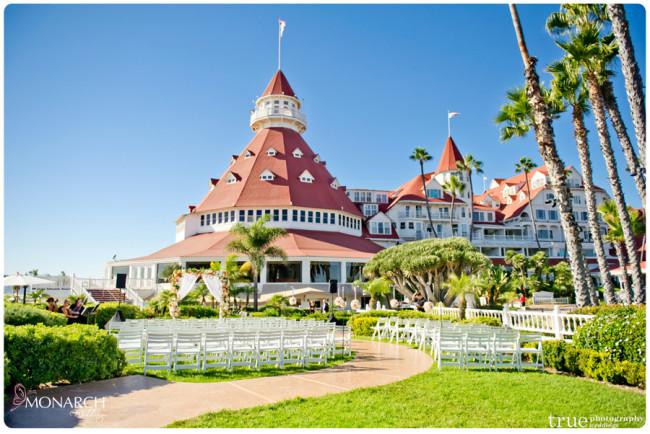 vintage nautical wedding hotel del ceremony vista walk