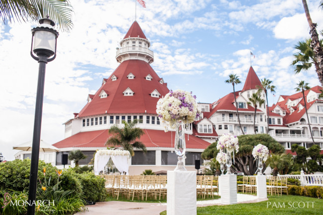 Glamorous-ivory-gold-ceremony-vista-walk-at-hotel-del-coronado-wedding