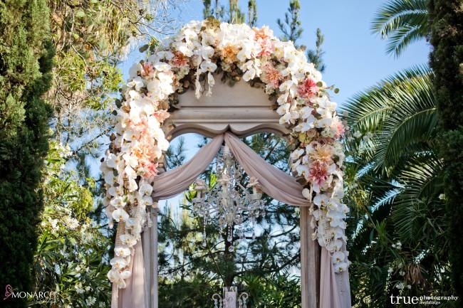 Wishing-well-at-Prado-Balboa-Park-Wedding-Phalaenopsis-blush-wedding