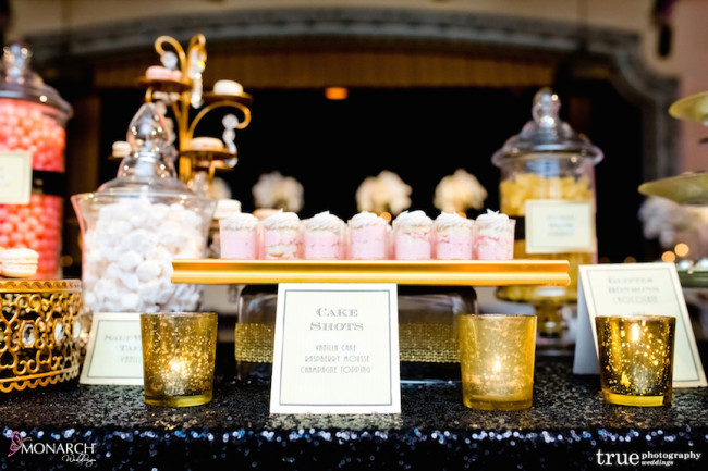 Gatsby-Prado-at-balboa-park-wedding-candy-station-white-black-gold
