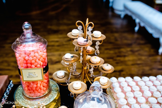 Gatsby-Prado-at-balboa-park-wedding-dessert-station-macaroons