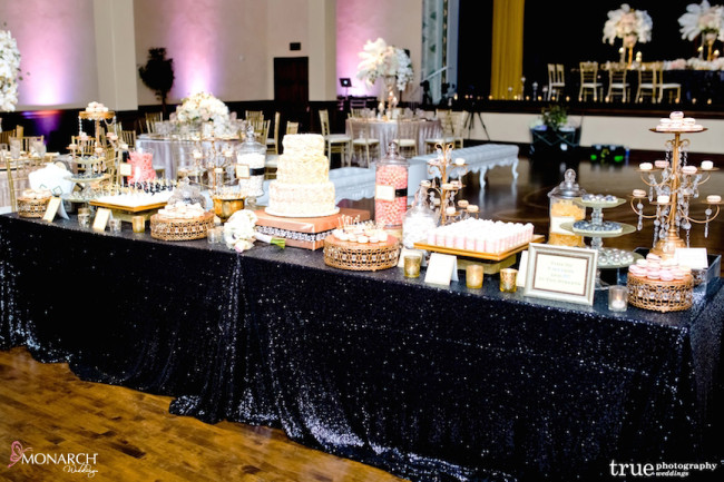 Gatsby-Prado-at-balboa-park-wedding-dessert-station-black-sequin-llinen