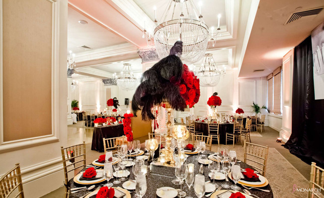 Gatsby-red-black-gold-wedding-us-grant-hotel