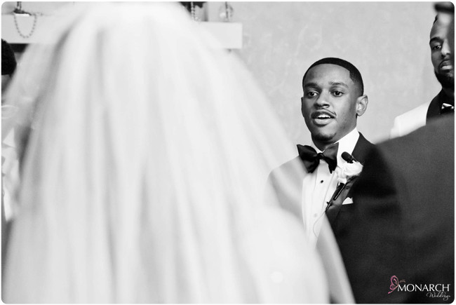Grooms-seeing-bride-love-wedding