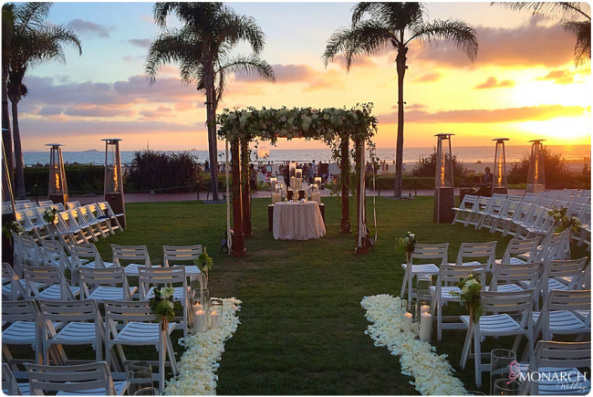 Round-ceremony-setup-sunset-hotel-del-wedding